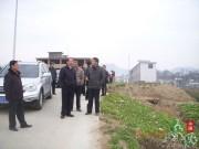 江春生到温泉指导现代农业示范区蓝莓基地建设