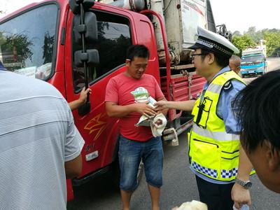 潼南区:农机监理站加强水稻机收期间安全检查