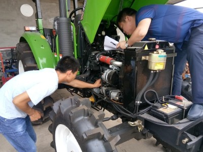 湖北:鄂州市开展农机安全下乡活动