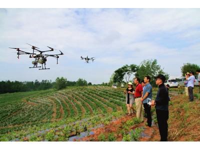 徽州区:举办新型植保无人机演示现场会