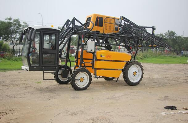 Beijing Fengmao Dongfanghong 3WX-1200G Self-propelled boom sprayer for high crops